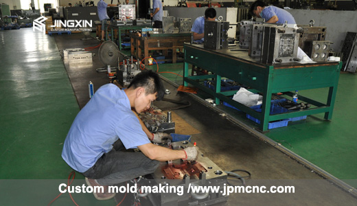 china plastic mold maker
