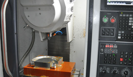 Milling machine working